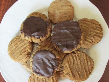 Peanutbutter Cookies w/ Chocolate Frosting